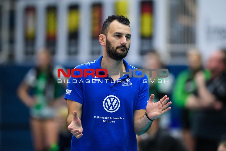 02.12.2018, Halle Berg Fidel, Muenster<br />Volleyball, Bundesliga Frauen, Normalrunde, USC MŸnster / Muenster vs. Allianz MTV Stuttgart<br /><br />Giannis Athanasopoulos (Co-Trainer Stuttgart)<br /><br />  Foto &copy; nordphoto / Kurth