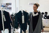 So Critical So Fashion 2011. Elena Varini, L'Orlando Furioso sartoria. Milano, 23 settembre 2011...So Critical So Fashion 2011. Elena Varini, L'Orlando Furioso sartoria. Milan, September 23, 2011.