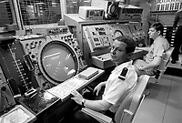 - U.S. Navy , aircraft carrier Nimitz, French officer in the radar room (May 1985)<br /> <br /> - US Navy, portaerei Nimitz, ufficiale francese in sala radar (maggio 1985)