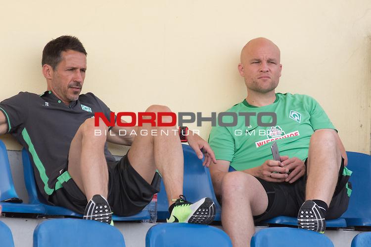 05.07.2015, Volksparkstadion, Neuruppenburg, GER, TL Werder Bremen 2015 Neuruppin, <br /> <br /> im Bild<br /> Thomas Eichin (Gesch&auml;ftsf&uuml;hrer Sport Werder Bremen)<br /> Rouven Schr&ouml;der (Direktor Profifu&szlig;ball Werder Bremen)<br /> <br /> Foto &copy; nordphoto / Kokenge