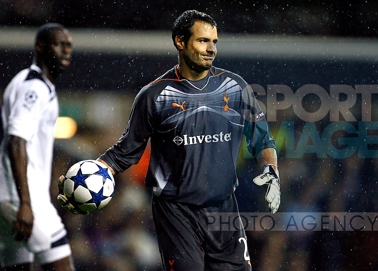 Carlo Cudicini of Tottenham Hotspur in action