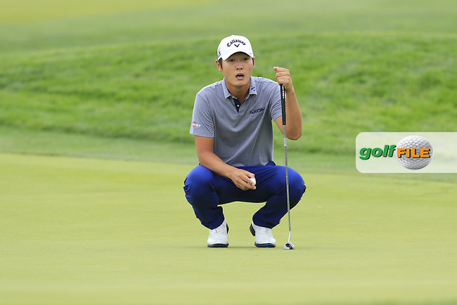 Danny Lee (NZL) on the 4th green during Thursday's Round 1 of the 2016 U.S. Open Championship held at Oakmont Country Club, Oakmont, Pittsburgh, Pennsylvania, United States of America. 16th June 2016.<br /> Picture: Eoin Clarke | Golffile<br /> <br /> <br /> All photos usage must carry mandatory copyright credit (&copy; Golffile | Eoin Clarke)