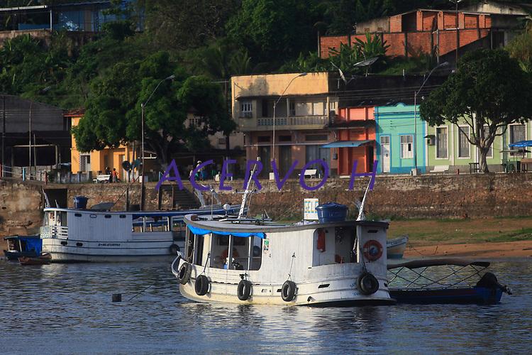 Porto da cidade de Oriximiná no Amazonas. <br /> Entrada para o rio Trombetas.<br /> Oriximiná, Pará, Brasil.<br /> Foto Paulo Santos