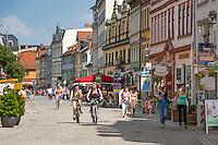 Germany, Thuringia, Rudolstadt: pedestrian area and shopping lane in centre of town | Deutschland, Thueringen, Rudolstadt: Fussgaengerzone und Einkaufsstrasse im Zentrum