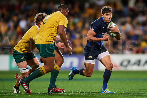 17.09.2016. Perth, Australia.  Lucas González Amorosino of the The Pumas (Argentina) looks to break the line during the Rugby Championship test match between the Australian Qantas Wallabies and Argentina's Los Pumas from NIB Stadium - Saturday 17th September 2016 in Perth, Australia.