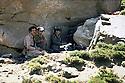 Iraq 1983<br /> In a cave near Haj Omran, peshmergas of Idris Barzani sending morse<br /> Irak 1983<br /> Dans une grotte pres d'Haj Omran, peshmergas d'Idris Barzani emettant en morse
