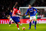 Benat Etxebarria Urkiaga of Athletic de Bilbao (R) competes for the ball with Thomas Teye Partey of Atletico de Madrid during the La Liga 2018-19 match between Atletico de Madrid and Athletic de Bilbao at Wanda Metropolitano, on November 10 2018 in Madrid, Spain. Photo by Diego Gouto / Power Sport Images