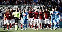 Calcio, Serie A: Roma vs Napoli. Roma, stadio Olimpico, 25 aprile 2016.<br /> Roma&rsquo;s Radja Nainggolan, third from right, celebrates after scoring the winning goal during the Italian Serie A football match between Roma and Napoli at Rome's Olympic stadium, 25 April 2016. Roma won 1-0.<br /> UPDATE IMAGES PRESS/Isabella Bonotto