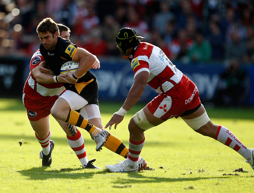 Photo: Richard Lane/Richard Lane Photography. Gloucester Rugby v London Wasps. Aviva Premiership. 22/09/2012. Wasps' Nick Robinson attacks.