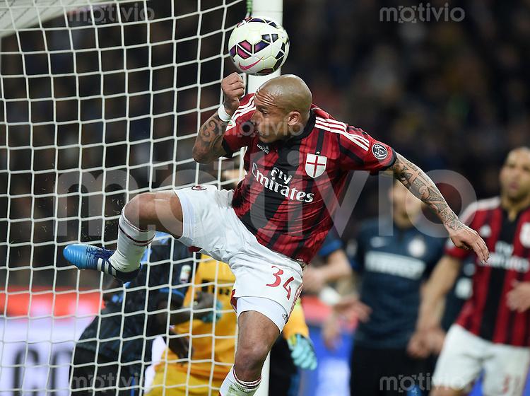 FUSSBALL INTERNATIONAL   SERIE A   SAISON  2014/2015   31. Spieltag Inter Mailand - AC Mailand                     19.04.2015 Nigel De Jong (AC Mailand) am Ball