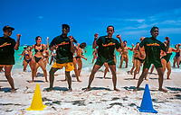 Dominikanische Republik, Punta Cana, Animation, Strandgymnastik am Playa Bavaro | Dominican Republic, Punta Cana, entertainment, gymnastics at beach Playa Bavaro