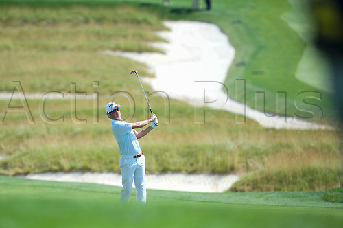 19.06.2016. Pittsburgh, PA,USA.    Andrew Landry plays his shot from the fairway during the final round of golf at the US Open at Oakmont Country Club in Pittsburgh, PA.