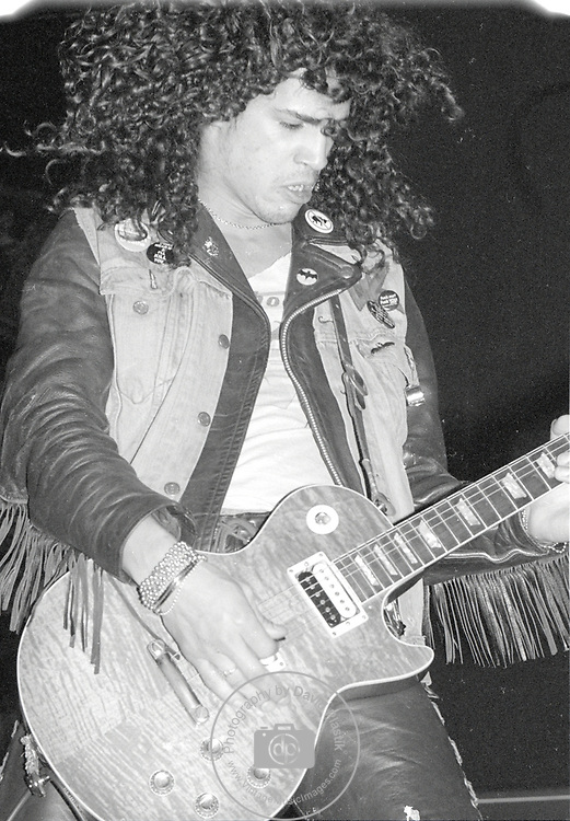 GUNS N ROSES - Slash- Performing Live at Perkins Palace , Pasadena, Ca Dec 28, 1987