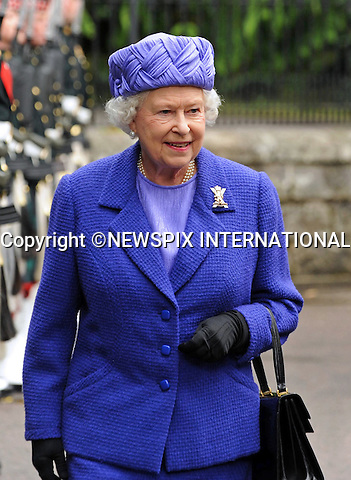 "QUEEN ELIZABETH.inspects the Royal Guard, formed by  B Company 1st Battalion Royal Regiment of Scotland outside the gates of Balmoral Castle, Aberdeenshire .Her Majesty was taking up her annual residence at the Castle and was escorted by the guard by Officer Commanding Major Graeme Wearmouth of B Company..Photo Credit: ©Owens_Newspix International..**ALL FEES PAYABLE TO: ""NEWSPIX INTERNATIONAL""**..PHOTO CREDIT MANDATORY!!: NEWSPIX INTERNATIONAL..IMMEDIATE CONFIRMATION OF USAGE REQUIRED:.Newspix International, 31 Chinnery Hill, Bishop's Stortford, ENGLAND CM23 3PS.Tel:+441279 324672  ; Fax: +441279656877.Mobile:  0777568 1153.e-mail: info@newspixinternational.co.uk"
