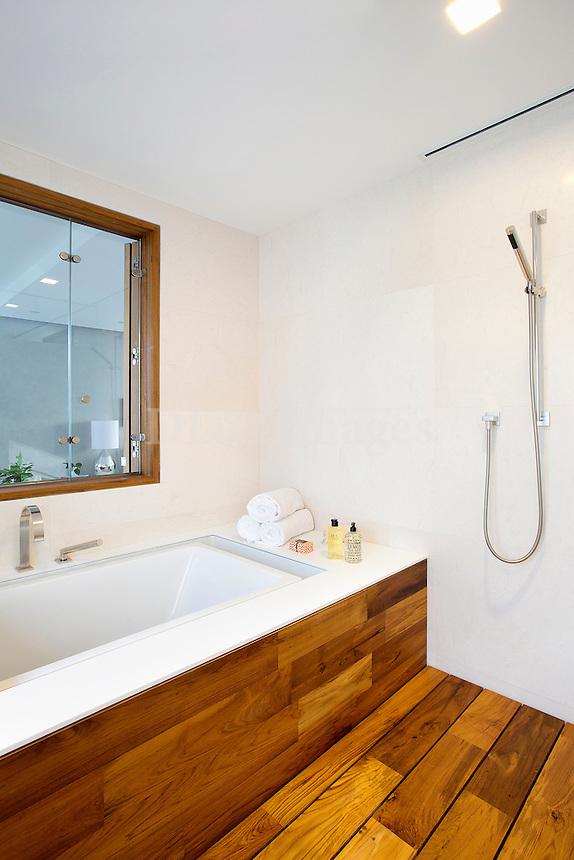 wooden bathtub stand