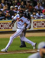 Dominic Larun Bown  Naranjeros corre por la tercera base, durante la apertura de la temporada de beisbol de la Liga Mexicana del Pacifico 2017 2018 con el partido entre Naranjeros vs Yaquis. 11 octubre2017 . <br /> (Foto: Luis Gutierrez /NortePhoto.com)
