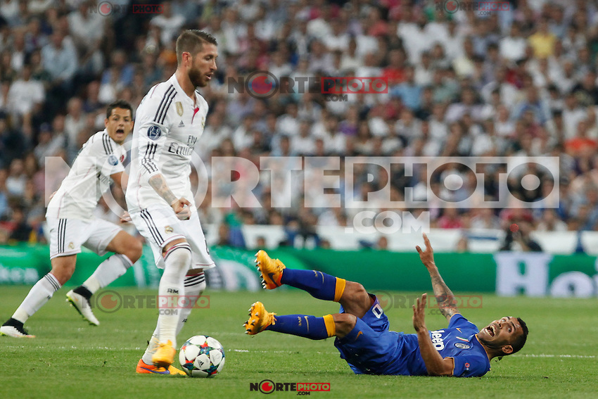 Real Madrid´s Sergio Ramos (L) and Juventus´s Carlos Tevez during the Champions League semi final soccer match between Real Madrid and Juventus at Santiago Bernabeu stadium in Madrid, Spain. May 13, 2015. (ALTERPHOTOS/Victor Blanco) /NortePhoto.COM