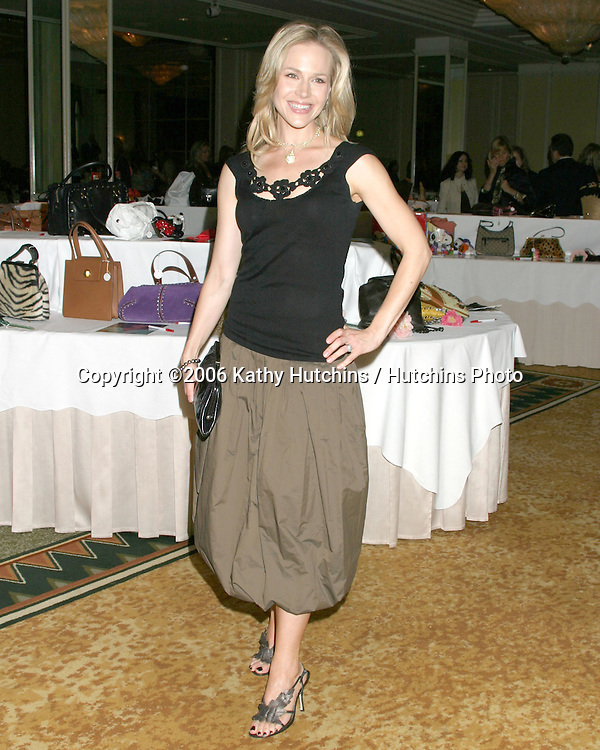 Julie Benz.Lupus Bag Luncheon. Beverly Hills, CA.October 26, 2006.©2006 Kathy Hutchins / Hutchins Photo....