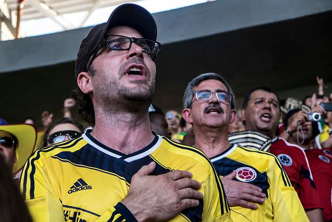 Manolo Cardona, actor colombiano canta el himno nacional antes del partido de cuartos de final  que Colombia perdi&oacute; contra Brasil 2 a 1 en el estadio Castelao  en Fortaleza el 4  de julio de 2014.<br /> <br /> Foto: Joaquin Sarmiento/Archivolatino<br /> <br /> COPYRIGHT: Archivolatino<br /> Solo para uso editorial. No esta permitida su venta o uso comercial.