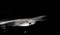 BOGOTA-COLOMBIA, 02-05-2020: Atardecer en la capital durante el aislamiento preventivo obligatorio que mantiene el pais contra la pandemia del Coronavirus COVID 19, se cumplen 45 dias en la capital de la republica. El reporte oficial en Colombia es 335 muertos, 7285 contaminados y 1566 recuperados. / Sunset in the capital during the mandatory preventive isolation that the country maintains against the Coronavirus pandemic COVID 19, it is 45 days in the capital of the republic. The official report in Colombia is 335 dead, 7.285 contaminated and 1.566 recovered. / Photo: VizzorImage / Luis Ramirez / Staff.