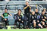Stockholm 2014-06-18 Fotboll Superettan Hammarby IF - GAIS :  <br /> GAIS tr&auml;nare Per-Ola Ljung &quot;Peo&quot; appl&aring;derar under matchen<br /> (Foto: Kenta J&ouml;nsson) Nyckelord:  Superettan Tele2 Arena Hammarby HIF Bajen GAIS jubel gl&auml;dje lycka glad happy