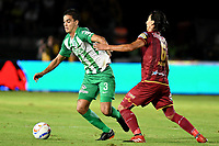 IBAGUÉ - COLOMBIA, 06-06-2018: Rafael Robayo (Der) jugador de Deportes Tolima disputa el balón con Felipe Aguilar (Izq) jugador del Atletico Nacional durante partido de ida por la final de la Liga Águila I 2018 jugado en el estadio Manuel Murillo Toro de la ciudad de Ibagué. / Rafael Robayo (R) player of Deportes Tolima vies for the ball with Felipe Aguilar (L) player of Atletico Nacional during first leg match for the final of the Aguila League I 2018 played at Manuel Murillo Toro stadium in Ibague city. Photo: VizzorImage / Juan Carlos Escobar / Cont