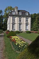 Europe/France/Aquitaine/64/Pyrénées-Atlantiques/Pays-Basque/Trois-Villes: Le Château d'Eliçabéa - Occupant une terrasse dominant le Saison, il fait face aux montagnes de Haute-Soule.