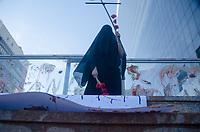 RIO DE JANEIRO,RJ, 28.01.2019 - PROTESTO-RJ - Um grupo de manifestante se reunirão na escadaria da Fundação Getulio Vargas, na praia de Botafogo no Rio de Janeiro para protestar contra a mineradora Vale, e apoio as vitimas do rompimento da barragem do feijão na cidade de Brumadinho, em Minas Gerais nesta segunda-feira, 28 na cidade do Rio de janeiro. (Foto: Vanessa Ataliba/Brazil Photo Press)