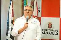 SÃO PAULO, SP, 14.03.2016 - DENGUE-SP - O secretário municipal de saúde Alexandre Padilha, durante coletiva de impensa para apresentar balanço atualizado dos casos de dengue, chikungunya e zika na cidade de São Paulo, e falar sobre as ações de prevenção e combate ao mosquito Aedes aegypti na sala de coletiva da Prefeitura Municipal, no centro da cidade, nessa segunda-feira 14. (Foto: Gabriel Soares/Brazil Photo Press)