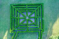 France, Loir-et-Cher (41), Cheverny, château de Cheverny, le labyrinthe (vue aérienne)