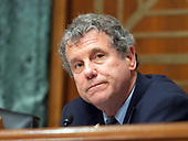 """United States Senator Sherrod Brown (Democrat of Ohio) listens as Randal K. Quarles, Vice Chairman for Supervision, Board of Governors of the Federal Reserve System, testifies before the US Senate Committee on Banking, Housing, and Urban Affairs on Capitol Hill in Washington, DC on """"The Semiannual Testimony on the Federal Reserve's Supervision and Regulation of the Financial System"""" on Thursday, April 19, 2018.<br /> Credit: Ron Sachs / CNP"""