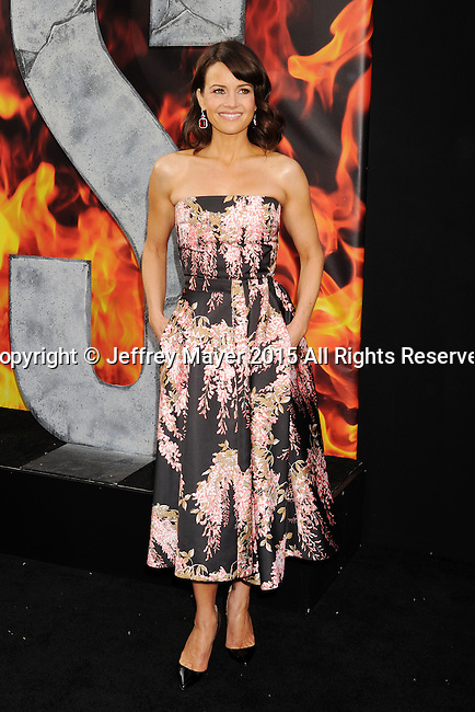HOLLYWOOD, CA - MAY 26: Actress Carla Gugino arrives at the 'San Andreas' - Los Angeles Premiere at TCL Chinese Theatre IMAX on May 26, 2015 in Hollywood, California.