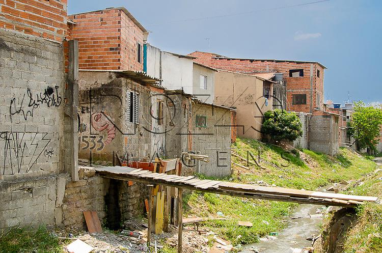 Favela na beira de córrego, Vila Cisper zona leste de São Paulo - SP, 17/10/2014.