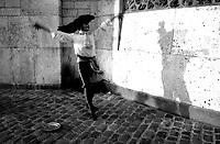 04.1999 <br /> <br /> Street artist in montmartre.<br /> <br /> Artiste de rue a montmartre.
