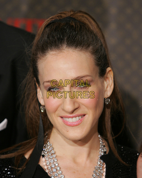 SARAH JESSICA PARKER.The 2nd Annual Louis Vuitton United Cancer Front Gala held at Universal Studios, Stage 24 in Universal City, California .November 8th, 2004.headshot, portrait.www.capitalpictures.com.sales@capitalpictures.com.©Debbie Van Story/Capital Pictures