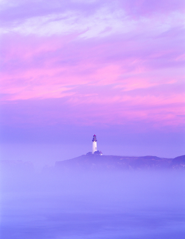 S00054M.tiff    Yaquina Lighthouse, fog and sunrise. Oregon