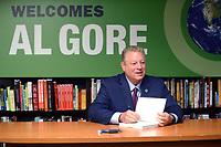 Al Gore signiert sein Buch 'An Inconvenient Sequel: Truth to Power' bei Barnes & Noble Fifth Avenue. New York, 02.08.2017