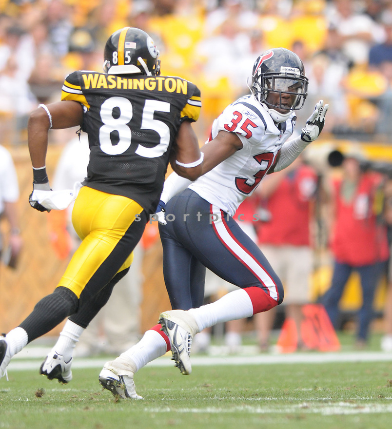 JACQUES REEVES, of the Houston Texans, in action during the Texans, game against the Pittsburgh Steelers  in Pittsburgh, Pennsylvania on September 7, 2008..The Pittsburgh Steelers won 38-17