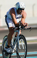12 MAR 2011 - ABU DHABI, UAE - Eneko Llanos - Abu Dhabi International Triathlon (PHOTO (C) NIGEL FARROW)