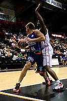 Temporada 2014 - 15 Liga ACB<br /> <br /> Presentaci&oacute;n Valencia Basket<br /> <br /> Amistoso Valencia Basket Club vs Cai Zaragoza<br /> <br /> Luke Harangody vs Marcus Landry