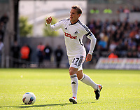 Pictured: Mark Gower of Swansea City in action. Saturday 17 September 2011<br />