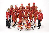 SCHAATSEN: HEERENVEEN: Thialf IJsstadion, 20-09-2012, Team Corendon 2012-2013, achter: Peter Kolder (coach), Bas Bervoets, Rienk Nauta, Karsten van Zeijl, Pepijn van der Vinne, midden: Renate Groenewold (coach), Floor van den Brandt, Jorien Voorhuis, Annouk van der Weijden, Roxanne van Hemert, Natasja Bruintjes, Frits Wouda (coach), voor: Marije Joling, Carlijn Achtereekte, ©foto Martin de Jong