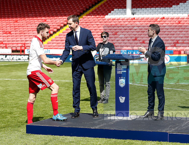 Ben Whiteman receives his runners up medal during the PDL U21 Final at Bramall Lane Sheffield. Photo credit should read: Simon Bellis/Sportimage