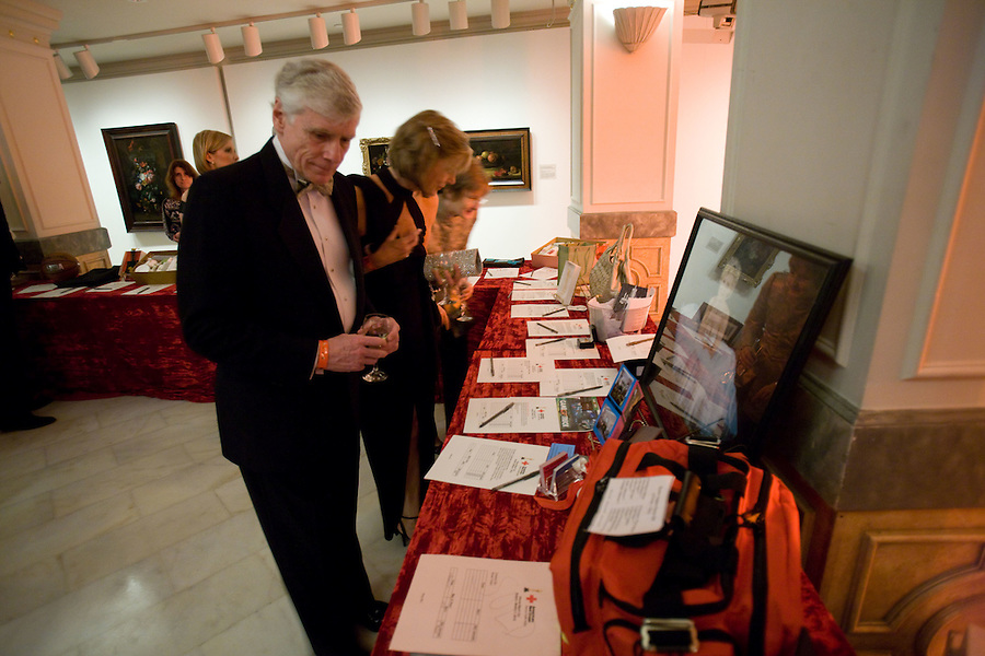 Slug: Red Cross/Oscar.Date: 03-08-2010 .Photographer: Mark Finkenstaedt.Location:Museum for Women in the Arts. New York Avenue Nw, Washington DC.Caption:  The Red Cross 2010 Oscar Party at the Museum for Women in the Arts...