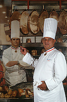 Europe/France/Rhône-Alpes/69/Rhone/Lyon : Paul Bocuse Restaurateur à Collonges au Mont d'Or [Non destiné à un usage publicitaire - Not intended for an advertising use] [Non destiné à un usage publicitaire - Not intended for an advertising use]<br /> PHOTO D'ARCHIVES // ARCHIVAL IMAGES<br /> FRANCE 2000