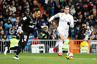 Beto of Sevilla and Gareth Bale of Real Madrid during La Liga match between Real Madrid and Sevilla at Santiago Bernabeu Stadium in Madrid, Spain. February 04, 2015. (ALTERPHOTOS/Caro Marin) /NORTEphoto.com