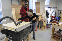 - Milano, Bricheco, officina e falegnameria  per il riuso e la riparazione degli oggetti presso la Stecca degli Artigiani nel quartiere Isola<br />