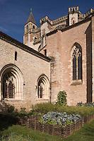 Europe/France/Midi-Pyrénées/46/Lot/Cahors: L'herbularius, ou jardin des simples<br /> Chevet de la Cathédrale Saint-Etienne fait partie des jardins secrets de Cahors