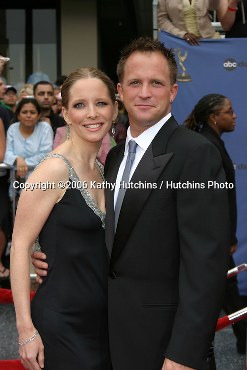 Lauralee Bell and Scott Martin.33rd Daytime Emmy Awards.Kodak Theater.Hollywood & Highland.Los Angeles, CA.April 28, 2006.©2006 Kathy Hutchins / Hutchins Photo..