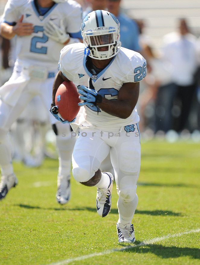 North Carolina Tarheels Giovani Bernard (26) in action during a game against Virginia Tech on October 6, 2012 at Kenan Memorial Stadium in Chapel Hill, NC. North Carolina beat Virginia Tech 48-34.